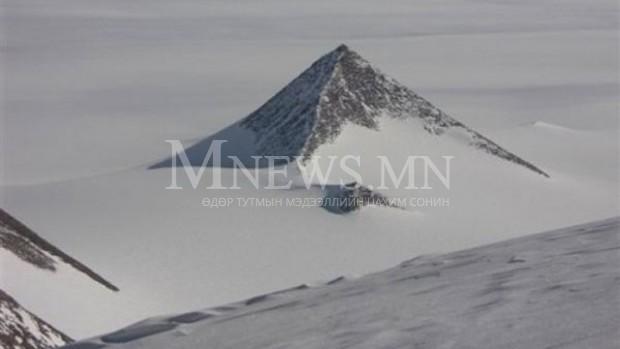 Антарктидаас эртний 3 пирамид олджээ