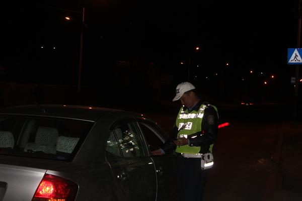 Жолоодох эрхгүй үедээ согтуугаар тээврийн хэрэгсэл жолоодсон 34 жолоочийг баривчилжээ