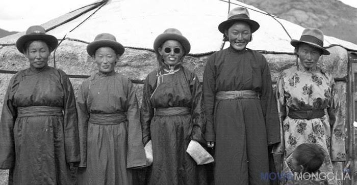 100 жилийн өмнөх МОНГОЛЧУУДЫН нэн ховор гэрэл зургууд (41 фото)
