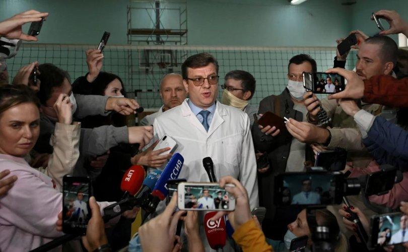 Навальныйн талаар худал мэдээлсэн эмч сураггүй болжээ