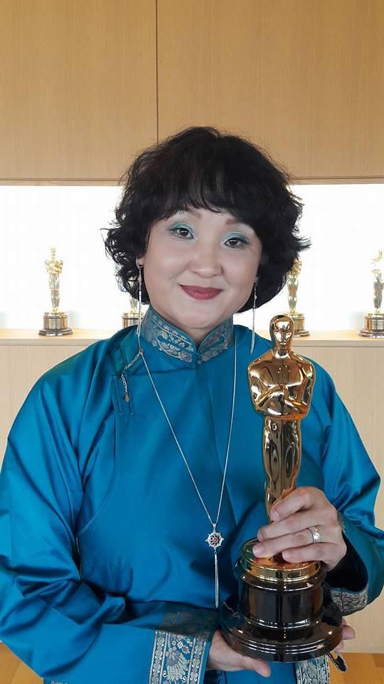 """Монголын анхны """"Оскар""""-ыг Б.Март хүртлээ"""