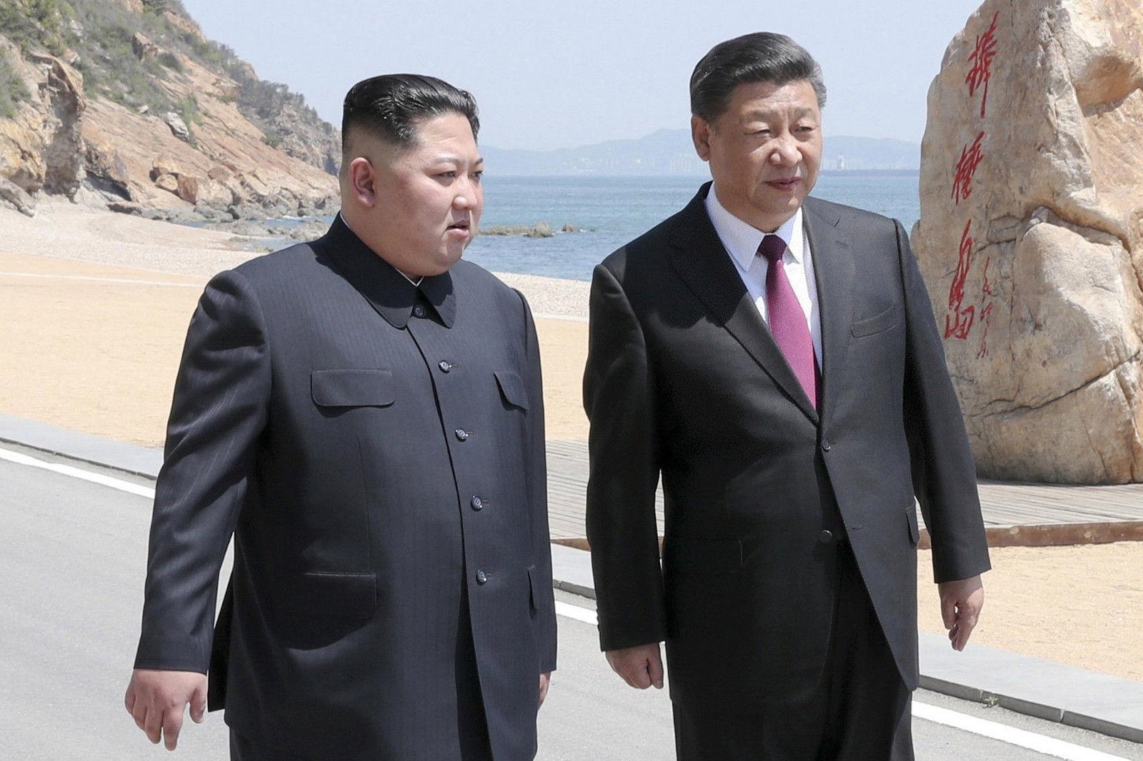 Ши Жиньпин анх удаа Умард Солонгост айлчлахаар боллоо
