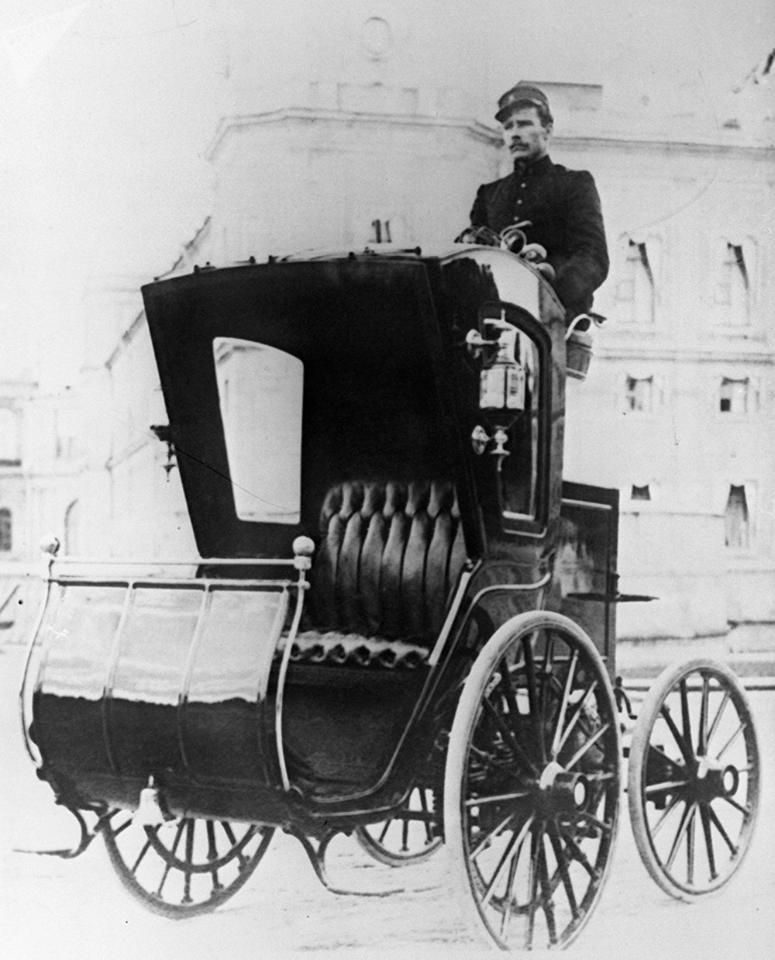 130 жилийн өмнө цахилгаан машин бүтээжээ