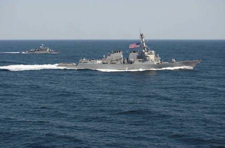 АНУ-ын цэргийн хүчин өмнөд хятадын тэнгис дэх олон улсын бүс нутгаар чөлөөтэй зорчино