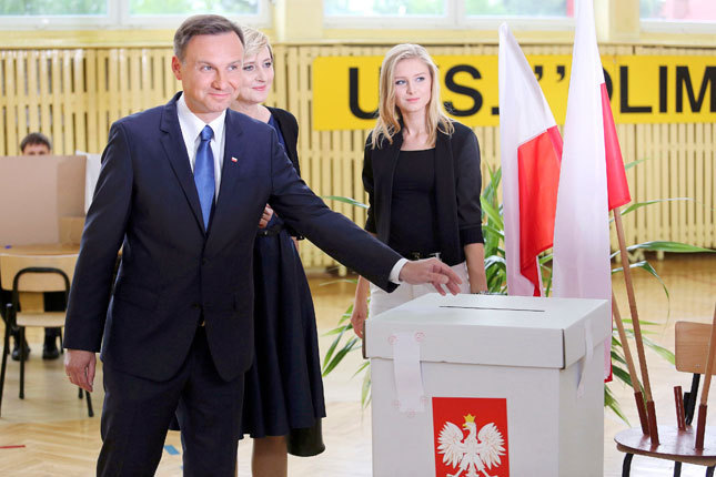 Польшийн Ерөнхийлөгчийн сонгуульд Анжей Дуда ялалт байгуулав