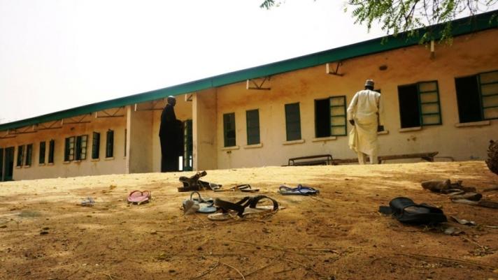 Нигерийн охидын сургуулийн 100 гаруй сурагч сураггүй болжээ
