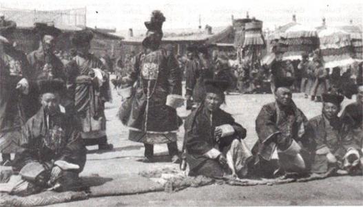 Монгол улс тулгар төрөө төвхнүүлэх, олон Монголчуудаа нэгтгэхийн төлөө тэмцсэн нь
