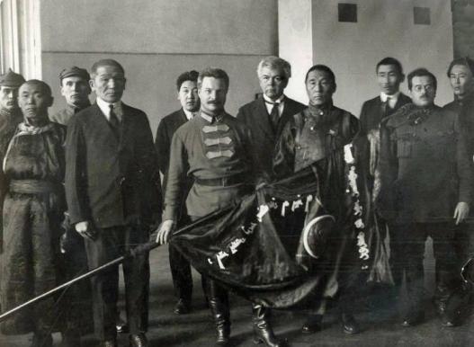 Социализмын үеийн Монгол цэргүүд (фото)