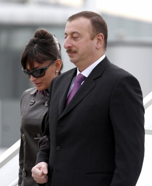 Ардчилсан Солонгосоос Азербайжан хүртэл: Төрөл саднууд төрийн эрхэнд хэрхэн гардаг вэ?
