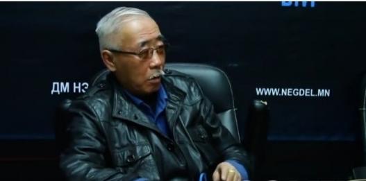 Судлаач Ч.Эрдэнэ: Монголд ямар ч зовлон байхгүй, дэлхийн диваажин