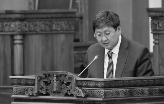 ОюуТолгойн орлогыг Монголын банкаар дамжуулах нь буруу гэж үздэг Ч.Хүрэлбаатар сайд болно гэнэ үү?