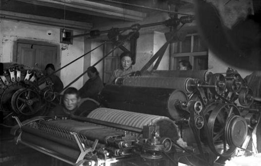 БНМАУ-д аж үйлдвэр үүсч байх үе (фото)