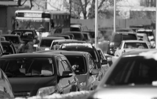 Улаанбаатар хотын замын түгжрэл утаатай тэнцэх хэмжээний гамшиг боллоо
