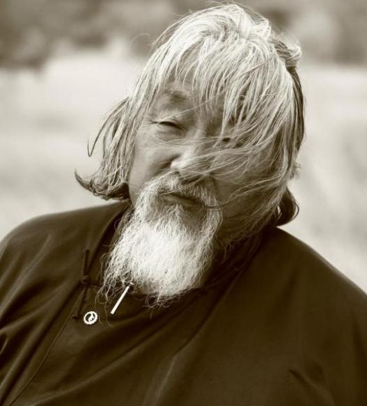 Д Урианхай: Улстөрийн нэр томьёогоор бол би Монголын сүүлчийн ганц Марксист
