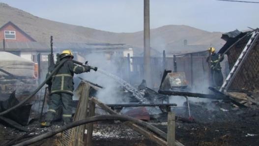 Багануур дүүрэгт 450 боодол өвс шатжээ