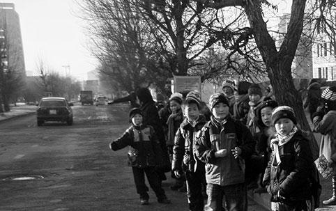 Хүүхдийн автобусны хүрэлцээг нэмэгдүүлье