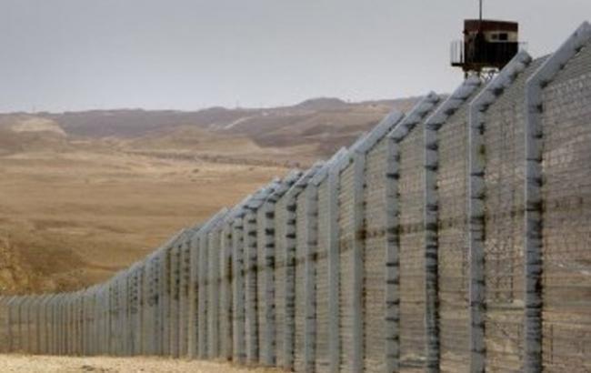 Хууль тогтоочид хэрхэн тохиролцохоос үл хамааран хана барихаар төлөвлөж байна