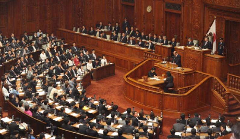 Япон улс гадаадад зэвсэгт хүчнээ ашиглах эрхээ хуульчиллаа