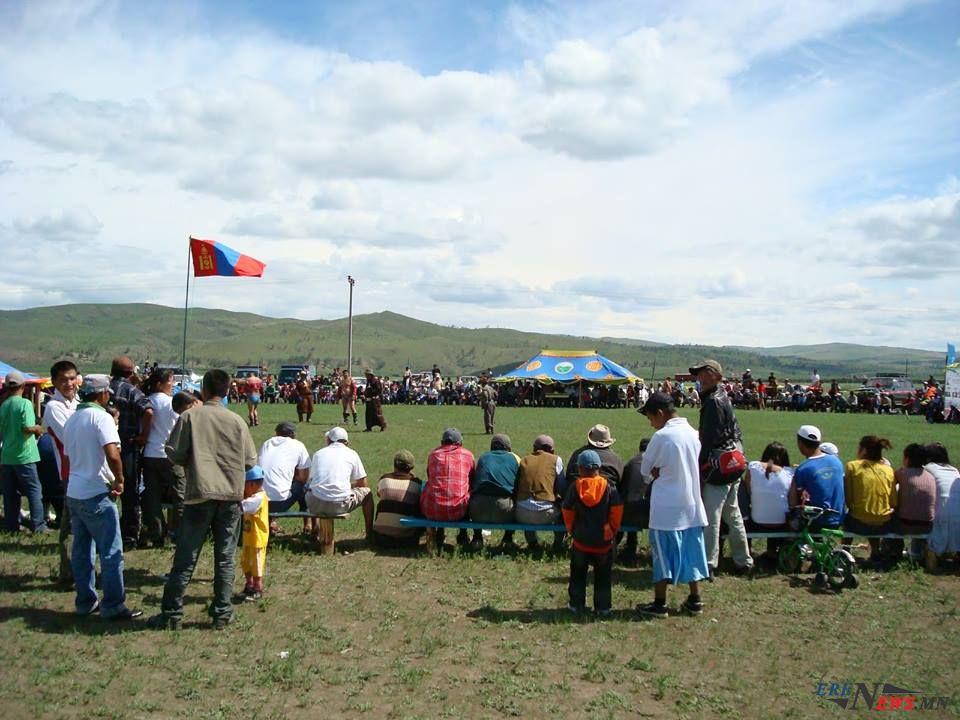 Наадам дууслаа, ажлаа хийцгээе, монголчууд аа!