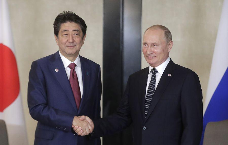 Путин, Абэ нар найрамдлын гэрээ байгуулах хэлэлцээг идэвхжүүлэхээр тохиролцов
