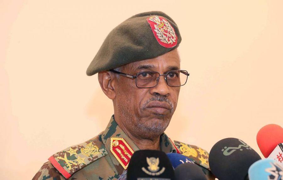 Суданы Батлан хамгаалахын сайдыг огцруулах шийдвэр гаргаснаа мэдэгдлээ