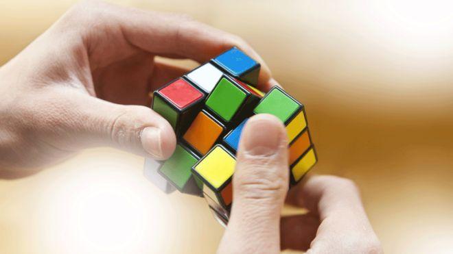 Хиймэл оюун ухаант систем Рубикийн шоог 1 секундэд эвлүүлжээ