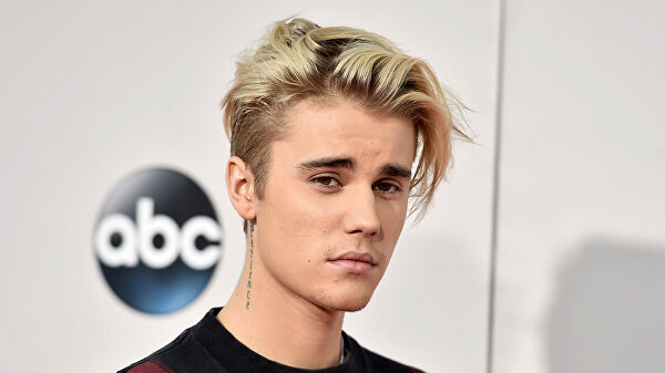 Дуучин Жастин Биберээс аминд халтай аюултай өвчин илэрчээ