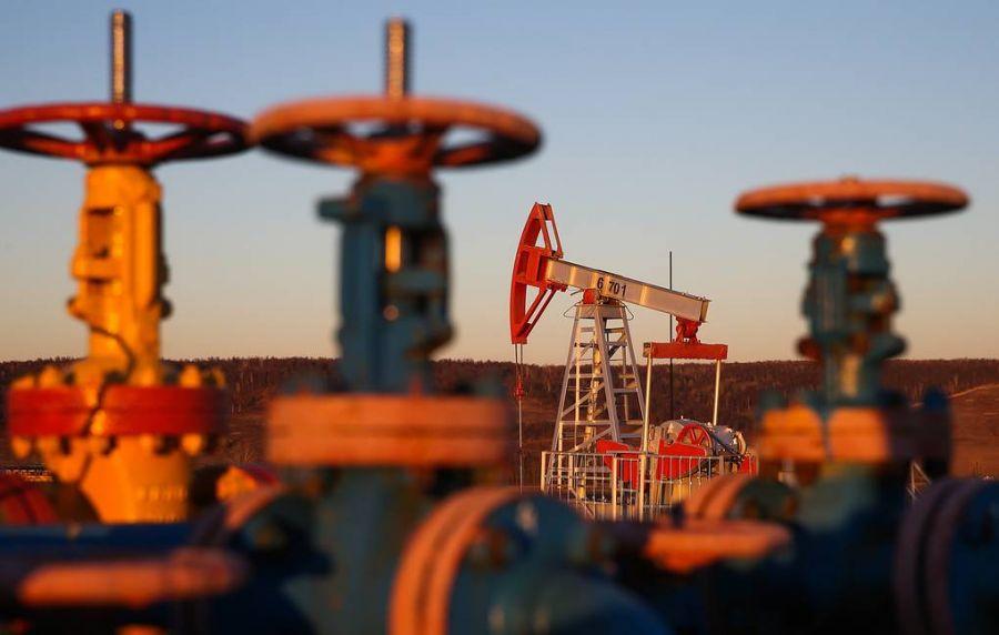 Нефтийн үнэ 63 ам.доллароос доошилж буурчээ