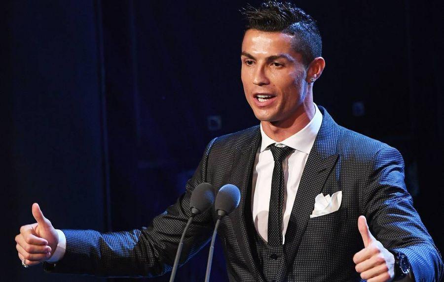 Криштиану Роналду нэг тэрбум ам.долларын орлого олсон анхны хөлбөмбөгчин болно