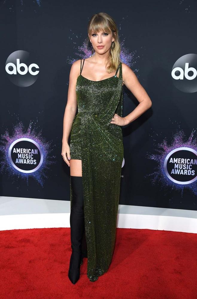 American Music Awards 2019: Улаан хивсний онцлох гоёлууд