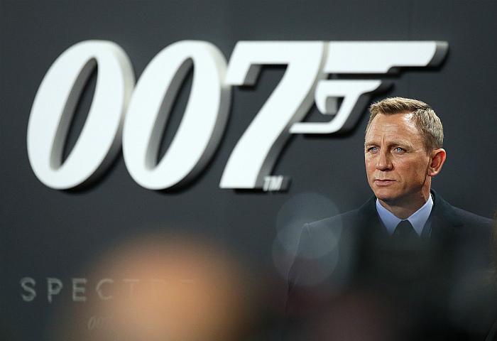 """""""James Bond"""" киноны шинэ ангийн нээлтийг дахин хойшлуулжээ"""