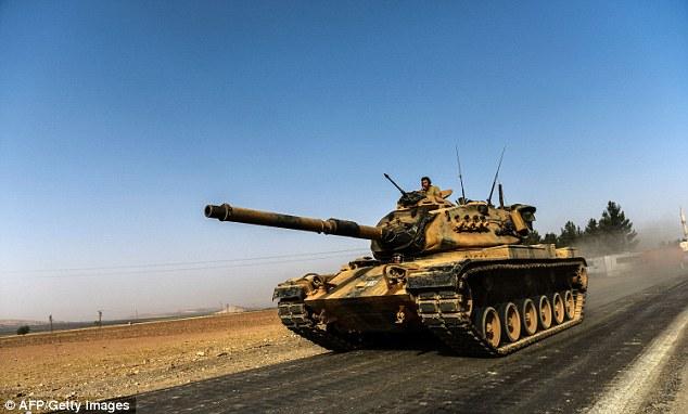 Сири рүү танкуудаа илгээжээ