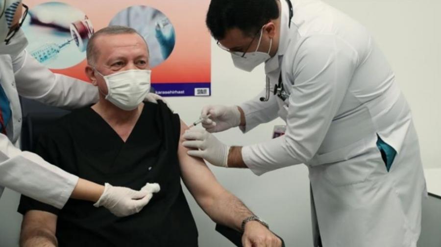 Туркийн Ерөнхийлөгч коронавирусний вакцин хийлгэлээ