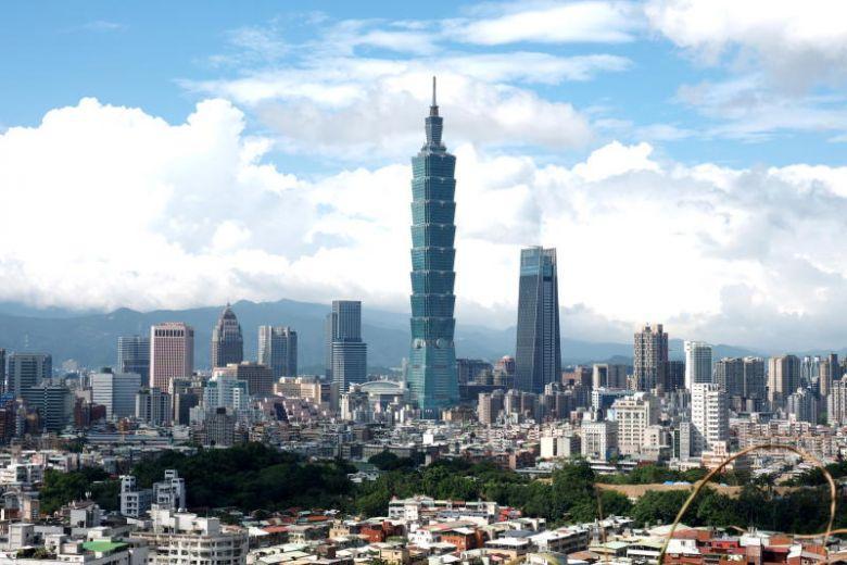 Америкийн албан бус төлөөлөгчид Тайваньд хүрэлцэн очжээ