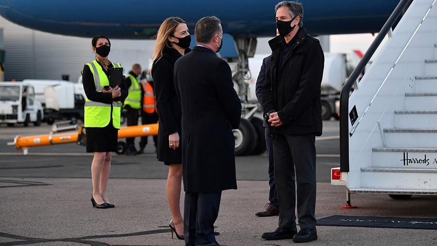 АНУ-ын Төрийн нарийн бичгийн дарга Лондонд хүрэлцэн очжээ