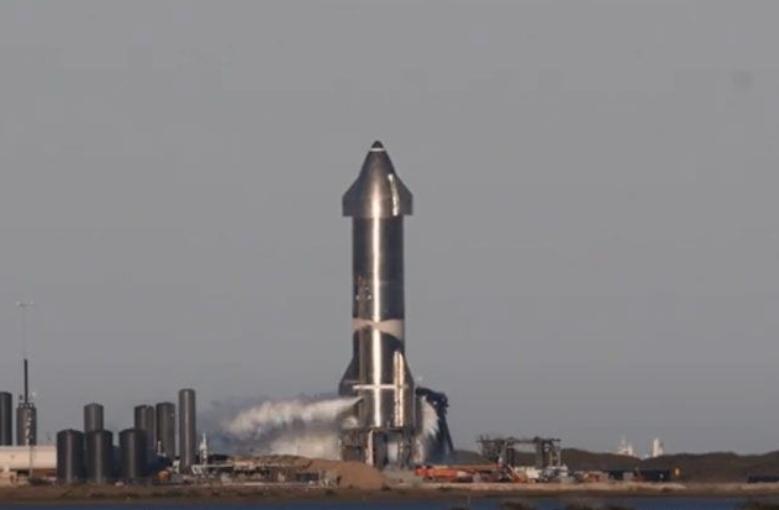 """""""Starship"""" сансрын хөлгийн туршилтын загвар амжилттай газарджээ"""
