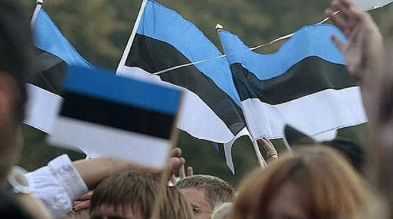 Эстонид вакцин хийлгээгүй хүмүүсийг олон нийтийн газраар үйлчлүүлэхийг хориглов