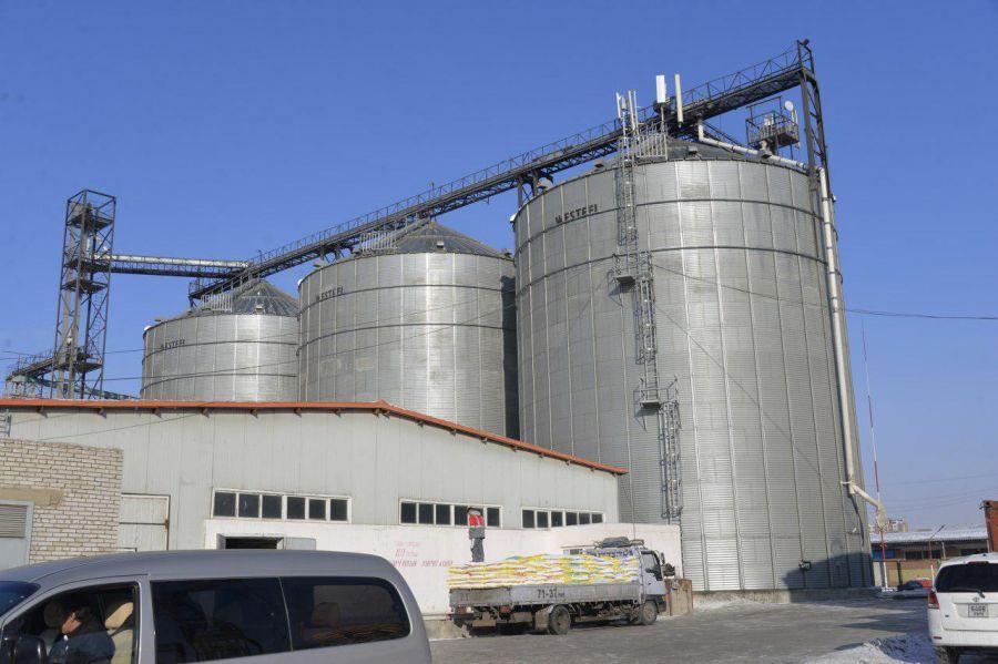 ЗГ: Гурилын үйлдвэрт илүү гарсан 100-150 тонн улаанбуудайг худалдан авна