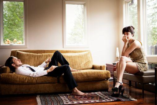 Нөхөр нь гэрийнхээ ажилд оролцдоггүй бол гэр бүл амархан салдаг