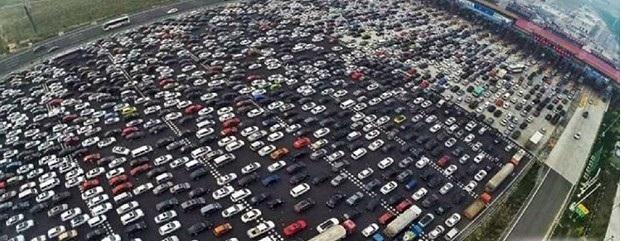 Хөдөлмөрчдийн баяраар Хятадын нийтийн тээврийн салбарын ачаалал эрс нэмэгджээ