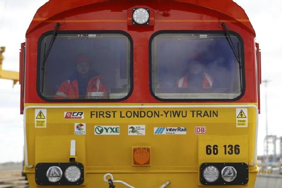 Лондонгоос Хятадыг зорьсон анхны галт тэрэг Казакстаны нутгаар дамжин өнгөрчээ