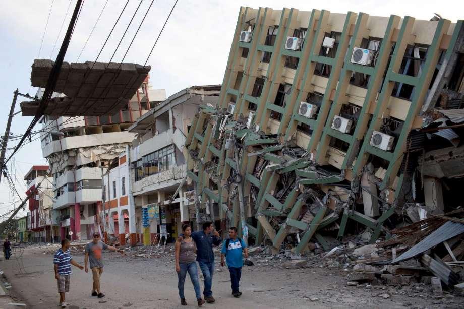 Газар хөдлөлтөөр 413 хүн амиа алдлаа