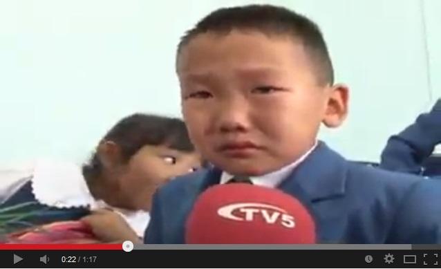 Зургаан настнууд сурагч болох эхний өдрөө уйлж байна /хөгжилтэй бичлэг/