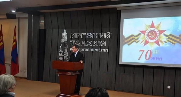 И.К.Азизов: Зөвлөлтийн дайчдын унасан морь, өмссөн шинель нь Монголынх байсан