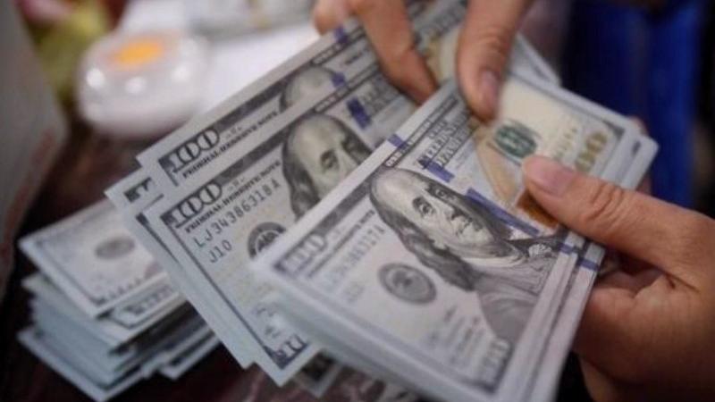 Иргэд валют арилжааны цэгээр үйлчлүүлэхдээ заавал бичиг баримтаа үзүүлнэ