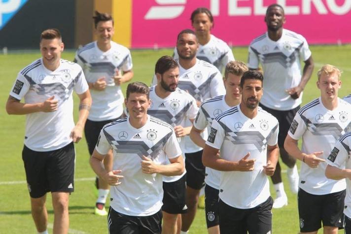 Дэлхийн 4 удаагийн аварга Германыг 0:1-ээр хожсон Мексикчүүд энэ ДАШТ-ий гол сенсаацыг эхлүүллээ