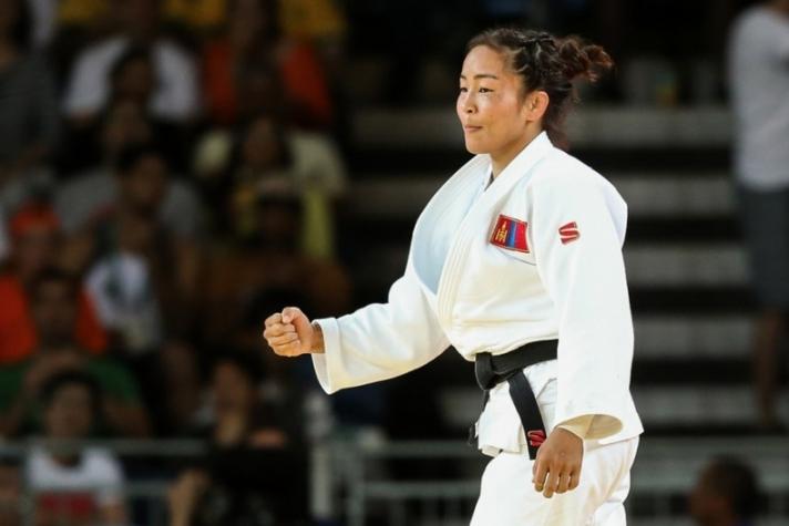 Д.Сумъяа дэлхийн аваргаас гурав дахь медалиа хүртлээ