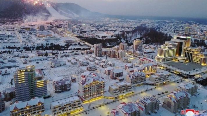 Орчин цагийн үлгэр жишээ хотыг Умард Солонгост босгосон нь