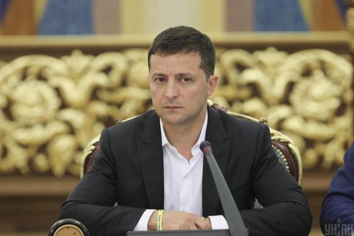 В.Зеленский: Украиныг томоохон тоглогчдын шатрын хөлөг болгохыг хүсэхгүй байна