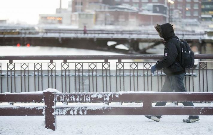 Канадад -50 хэм хүрч хүйтэрч болзошгүйг анхааруулжээ